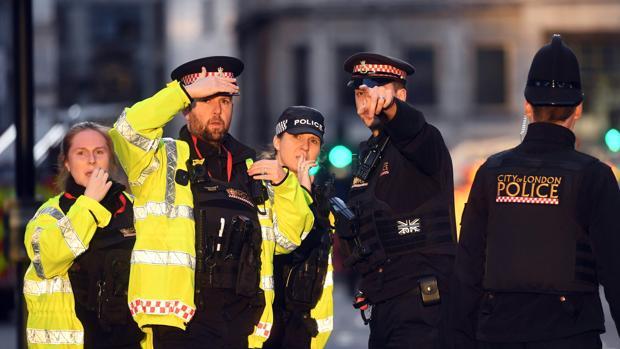 Cruce de acusaciones entre Johnson y Corbyn por el atentado de Londres