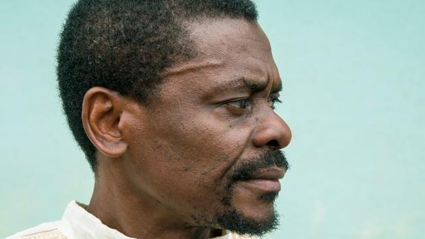 Juan Tomás Ávila, escritor de Guinea Ecuatorial: «El petróleo hizo que crecieran los adeptos a Obiang»