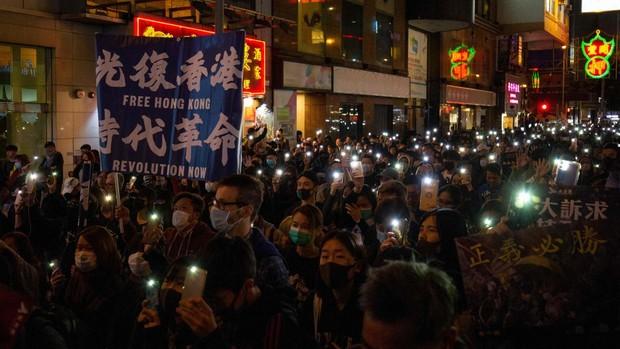 Hong Kong sigue echándose a las calles tras seis meses de protestas