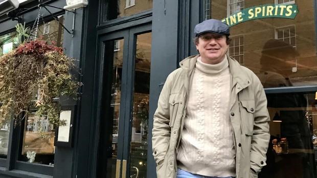 Robert Goodwin: «Los ingleses se sienten en casa con Boris, o al menos, en el pub de al lado»