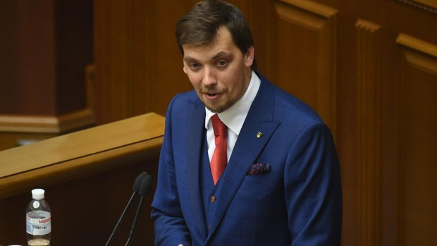 El primer ministro de Ucrania presenta su dimisión por unas críticas a Zelenski, pero este no se la acepta