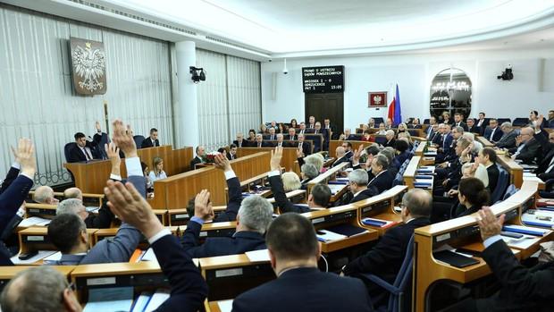 El Senado polaco rechaza la reforma judicial