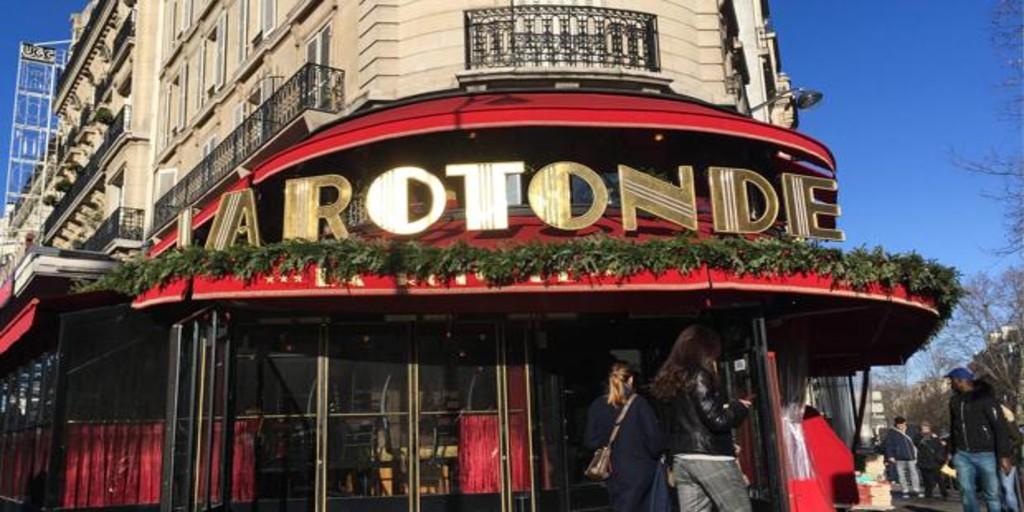 La Policía francesa investiga si los manifestantes de París prendieron fuego al restaurante favorito de Macron