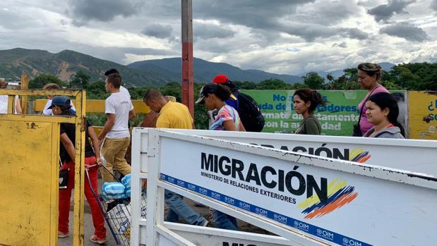 El número de refugiados y exiliados venezolanos por culpa del chavismo alcanza ya los cinco millones
