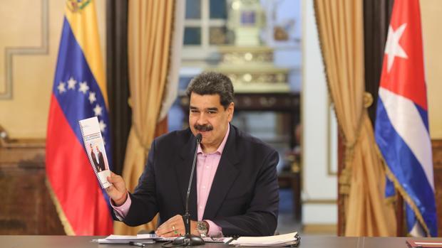 Acusan a Maduro de «traición a la patria» por incluir a Cuba en su Consejo de Ministros