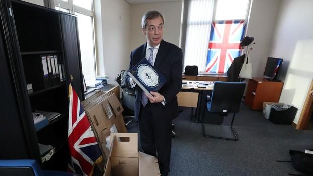 Los eurodiputados británicos se despiden y sus escaños se distribuirán entre los 27 países miembros