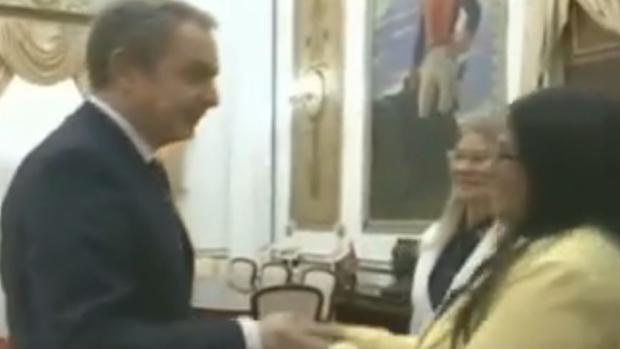 El Gobierno se desmarca de la visita de Zapatero a Maduro: «Viajó como ciudadano particular»