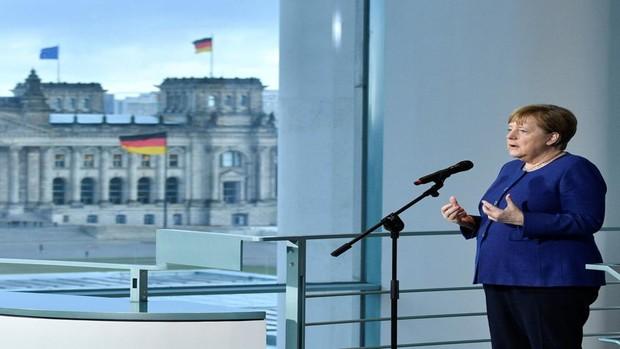 Merkel: «Estamos luchando contra un enemigo al que no conocemos»