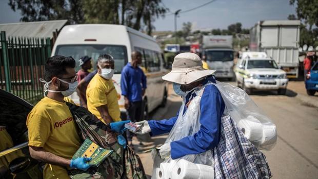 Ausencia de agua y de jabón y extremismo religioso: África se prepara para el golpe de la pandemia