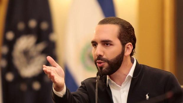 El presidente salvadoreño acusa a Trump de convertir EE.UU. en el próximo «epicentro mundial» de Covid-19