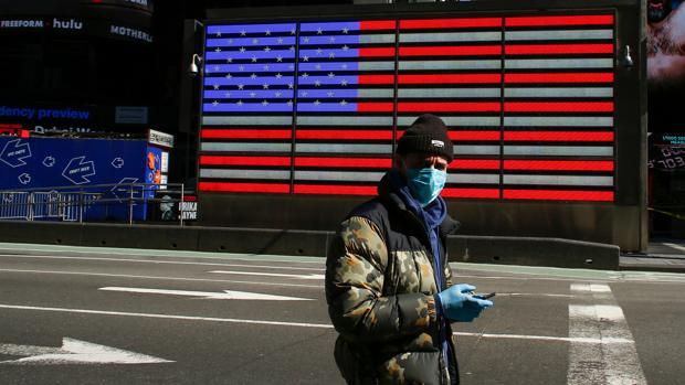 EE.UU. podría alcanzar los 200.000 muertos por coronavirus, según el experto de la Casa Blanca