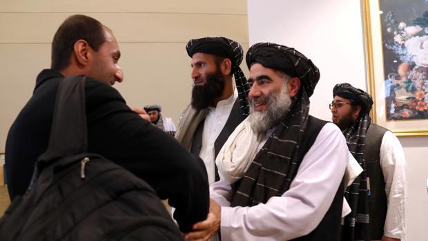 El acuerdo de Doha se diluye entre la violencia talibán y coronavirus