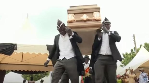 El baile con ataúdes en Ghana, un pujante negocio convertido en contenido viral