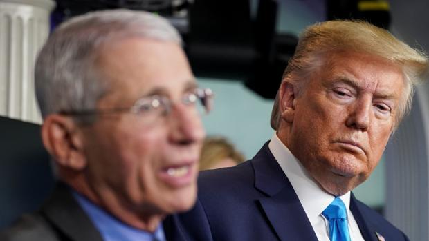 Trump ataca a su experto en coronavirus por decir que una reacción temprana habría «salvado vidas»