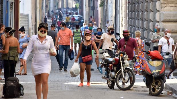 El régimen cubano anuncia vacunas dudosas contra el coronavirus
