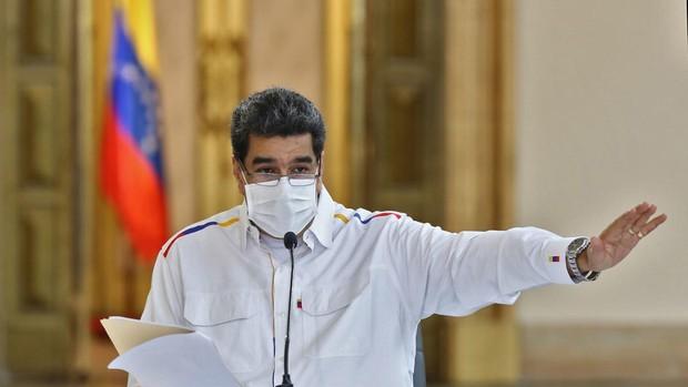 Maduro llama a Guaidó «prófugo de la justicia» e insiste en ligarlo a ataques