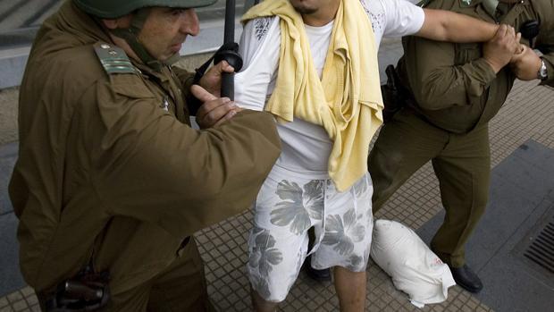 Indultan a un reo por el Covid-19 y regresa a prisión por abusos sexuales y robo con violencia en Chile