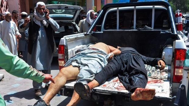 Al menos 39 muertos tras un doble atentado contra una maternidad y un funeral en Afganistán