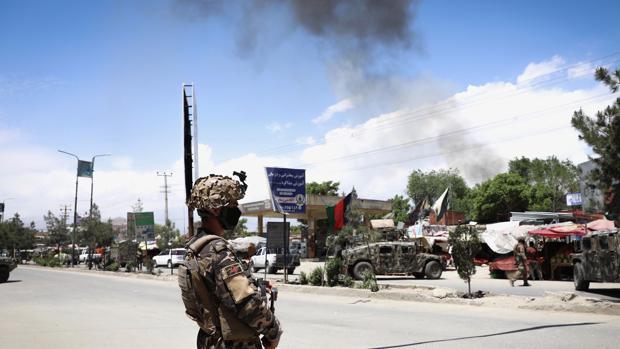 Un camión bomba causa, al menos, cinco muertos y catorce heridos en Afganistán