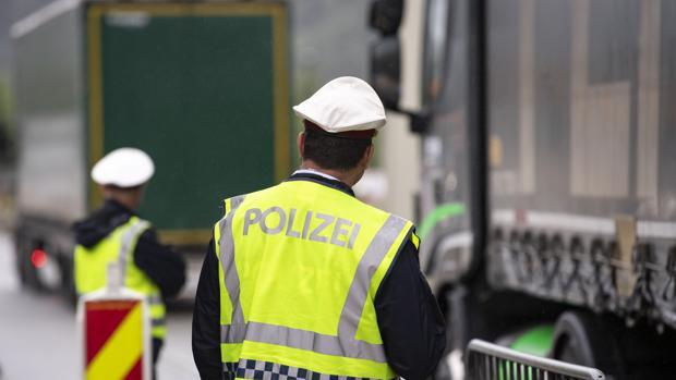 Austria abre fronteras con seis países vecinos, aún no con Italia