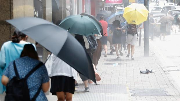 Londres baraja que los hongkoneses nacidos antes de 1997 puedan acceder a la nacionalidad británica