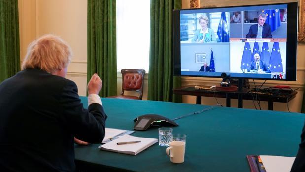 Johnson afirma que aún es posible llegar a un acuerdo con la Unión Europea
