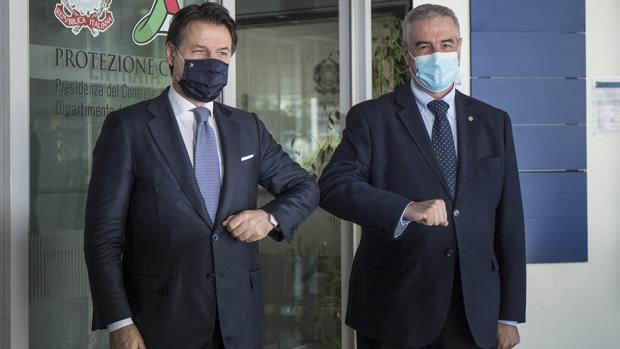 Conte planea una gran rebaja fiscal para reactivar la economía italiana
