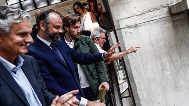 Revés de Macron en las municipales francesas y abstención récord