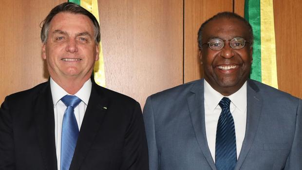 Dimite el ministro de Educación de Brasil por mentir en su currículum