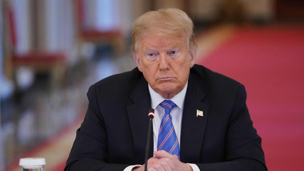 Trump dice que está «muy a favor de las mascarillas», pero no se la pone