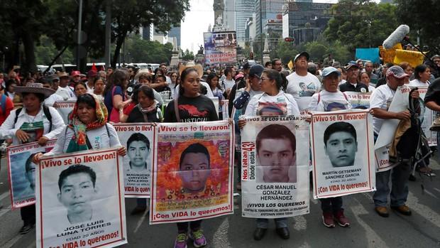 Identifican los restos de otro de los 43 de Ayotzinapa seis años después del crimen