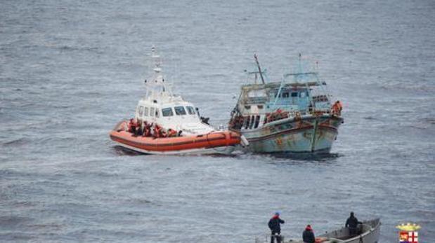 Desembarcan en Calabria 28 pakistaníes infectados por Covid-19