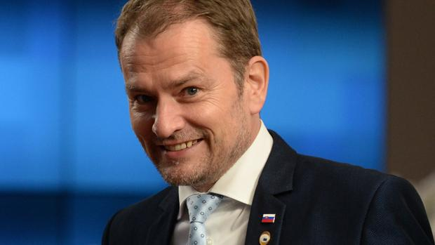 El primer ministro eslovaco, acusado de plagio en su tesis, sobrevive a la moción de censura
