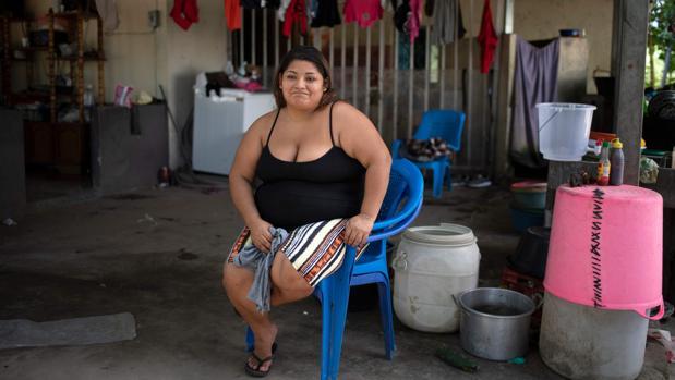 Una mujer pierde en dos meses a sus padres y a tres hermanos por el coronavirus en El Salvador