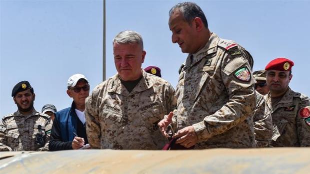 El Rey Salman destituye a dos príncipes y cuatro militares de alto rango por corrupción