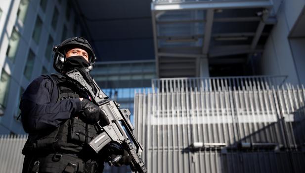 Comienza un juicio histórico contra los terroristas de la matanza de «Charlie Hebdo»