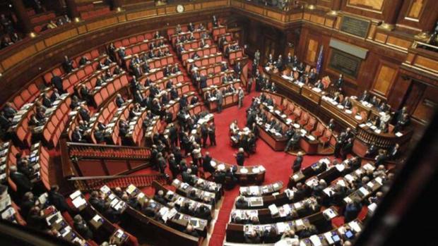 Italia vota un referéndum para reducir más de un tercio los escaños del Parlamento