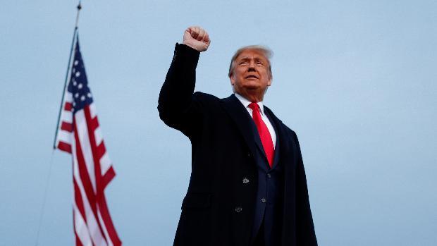 Trump asegura que nominará a una mujer para sustituir a Ginsburg en el Tribunal Supremo
