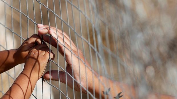 Italia acogerá a 300 refugiados de Lesbos gracias a la iniciativa de un movimiento católico