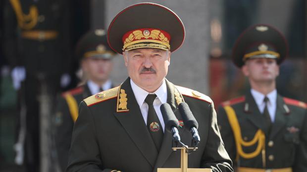 Lukashenko se autoproclama por sorpresa presidente de Bielorrusia en una ceremonia no anunciada