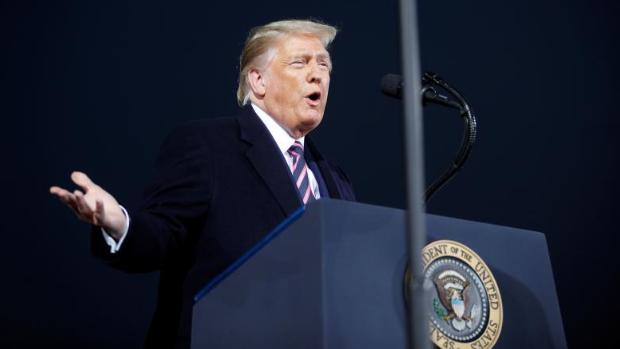 Trump dice que los 200.000 muertos en EE.UU. por el covid es una «verguenza» y si no fuera por él habría millones