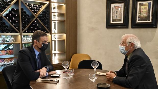 Borrell envía una delegación a pactar con Maduro las elecciones pese al informe de la ONU