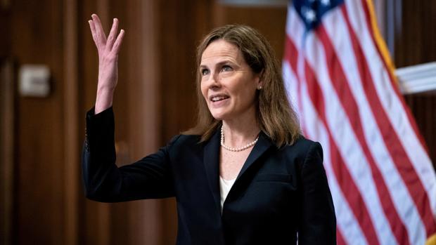 La juez Barrett supera el primer trámite en el Senado para ingresar en el Supremo