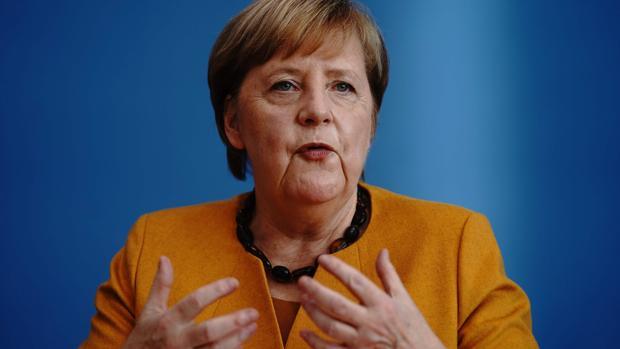 Merkel: «No habrá grandes fiestas de Nochevieja, pero pasaremos la Navidad en familia»
