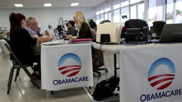 Biden inicia la batalla para salvar y expandir Obamacare, el plan de reforma sanitaria