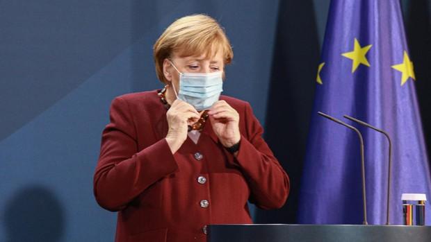 Alemania planea limitar las reuniones familiares a diez personas en Navidad para frenar la pandemia