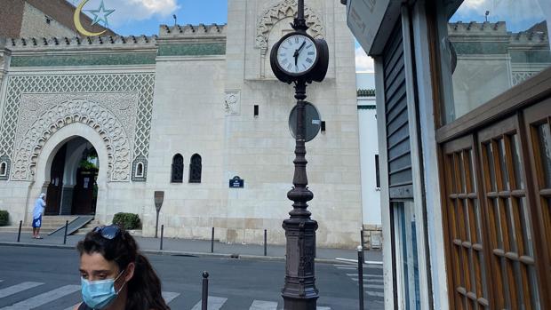 Macron es más «islamista» que el rector de la gran mezquita de París