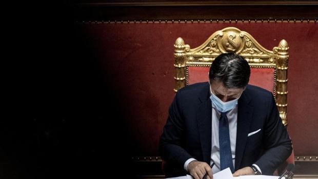 Conte gana la confianza en el Senado pero no llega a la mayoría absoluta