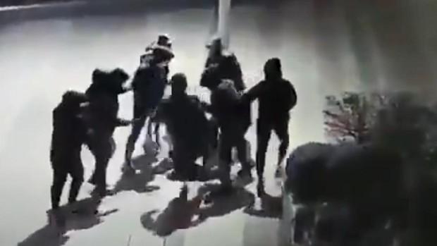 Conmoción en Francia tras el vídeo de la brutal agresión a un adolescente de 15 años