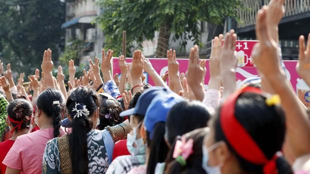 Los militares bloquean internet en Birmania para evitar que se sucedan las protestas contra el golpe de Estado